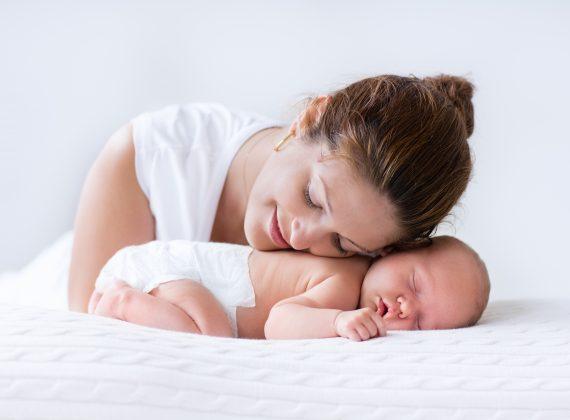 6 consejos para elegir la ropa de tu bebé los primeros días