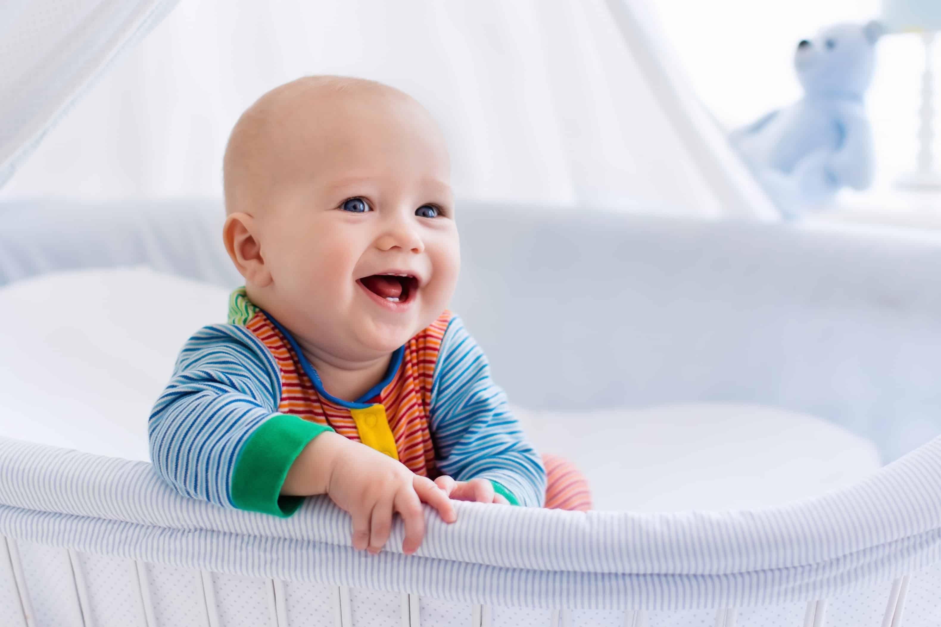 Consejos para el primer ba o del beb Ropa para beb s