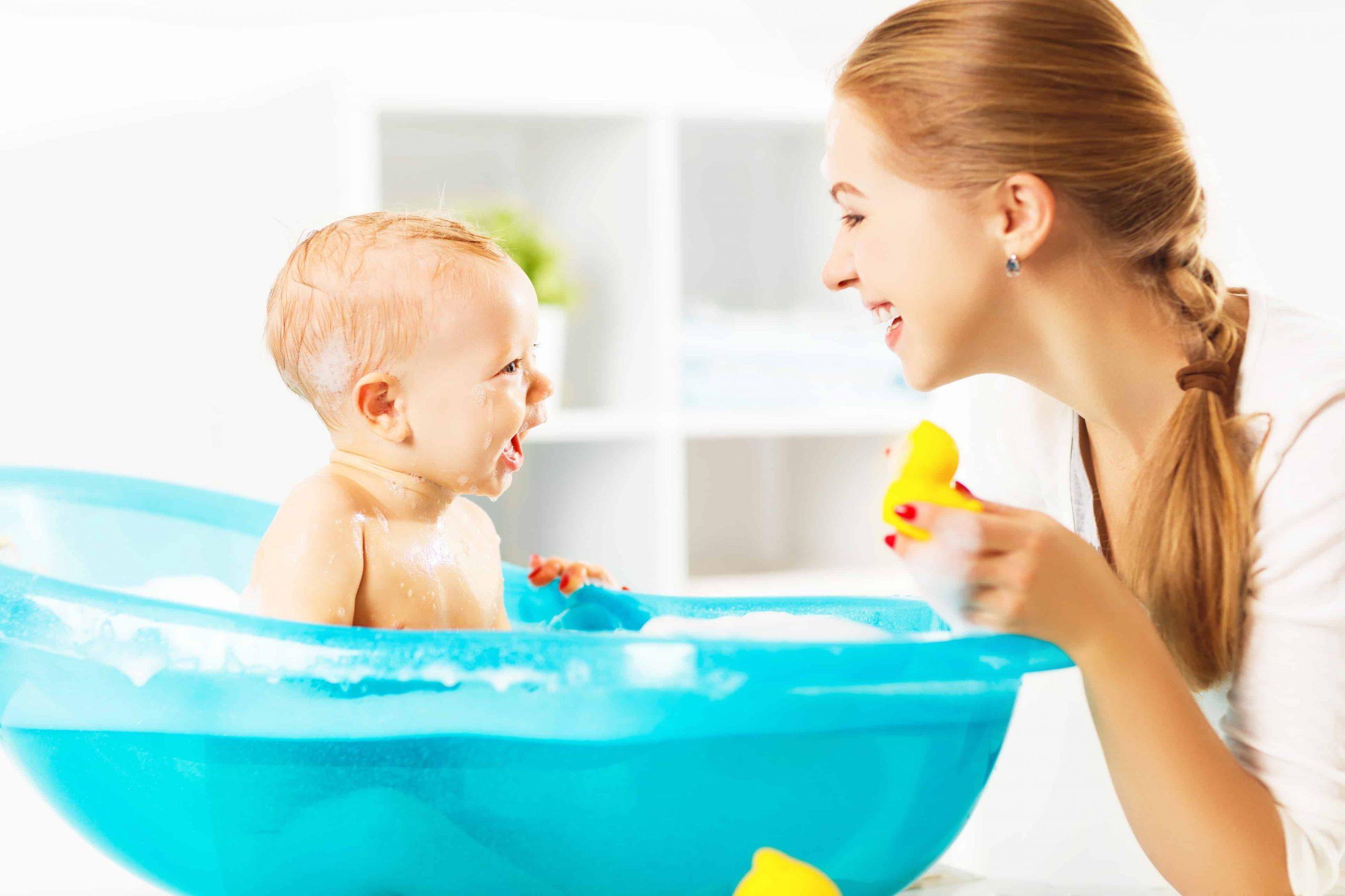 Consejos para el primer baño del bebé