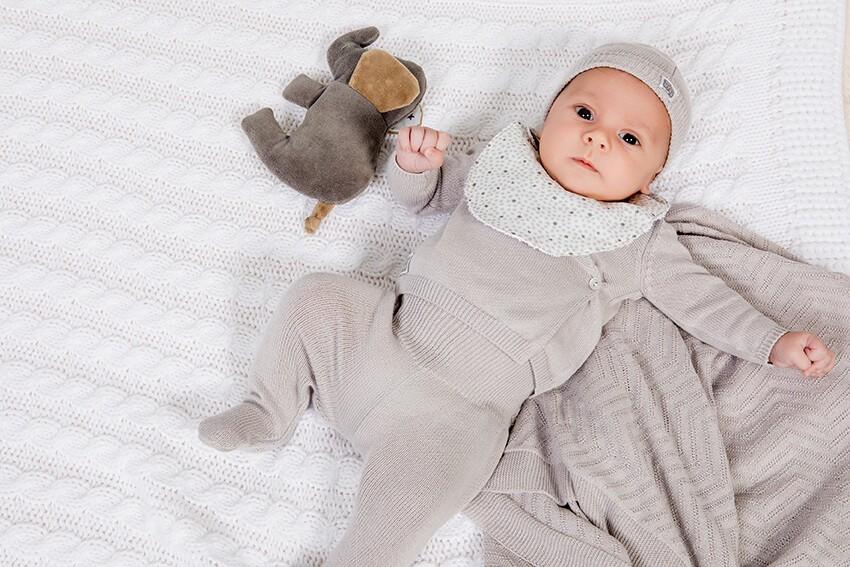 bebé-con-manta-dralón