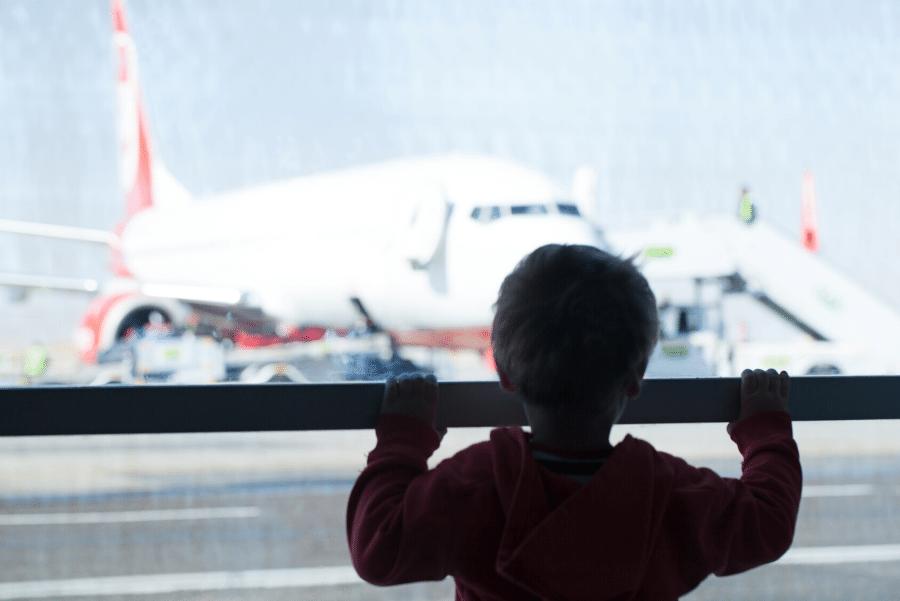 9 Consejos para que volar con bebés sea más fácil