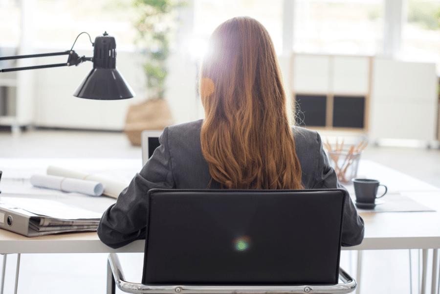 Consejos para sobrevivir la vuelta al trabajo después de la baja por maternidad