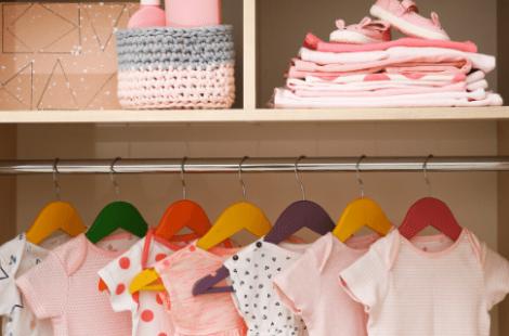 ¿Cuánta ropa necesita un bebé recién nacido?