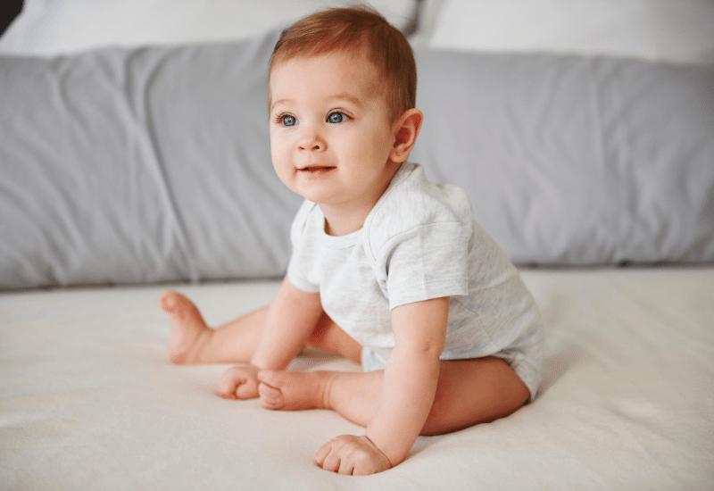 ¿Cuándo se sienta un bebé?