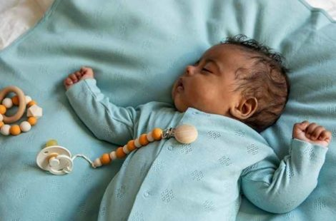 4 factores que tener en cuenta para comprar pijamas de bebé