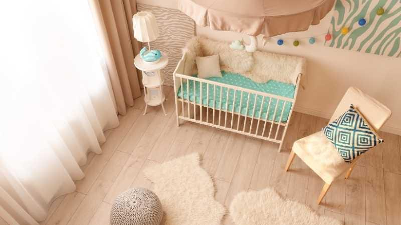 Cómo debe ser la habitación del bebé para que sea práctica y segura