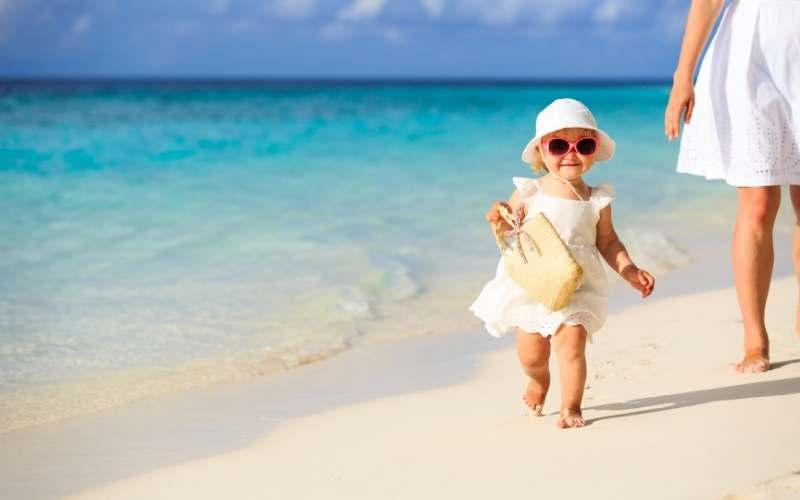 La guía definitiva para llevar a los bebés a la playa