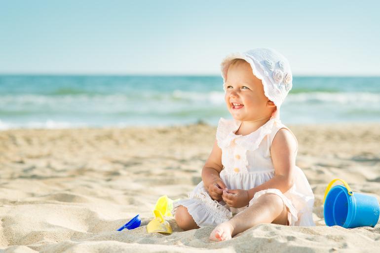 ¿Qué ropa de verano necesita tu bebé?