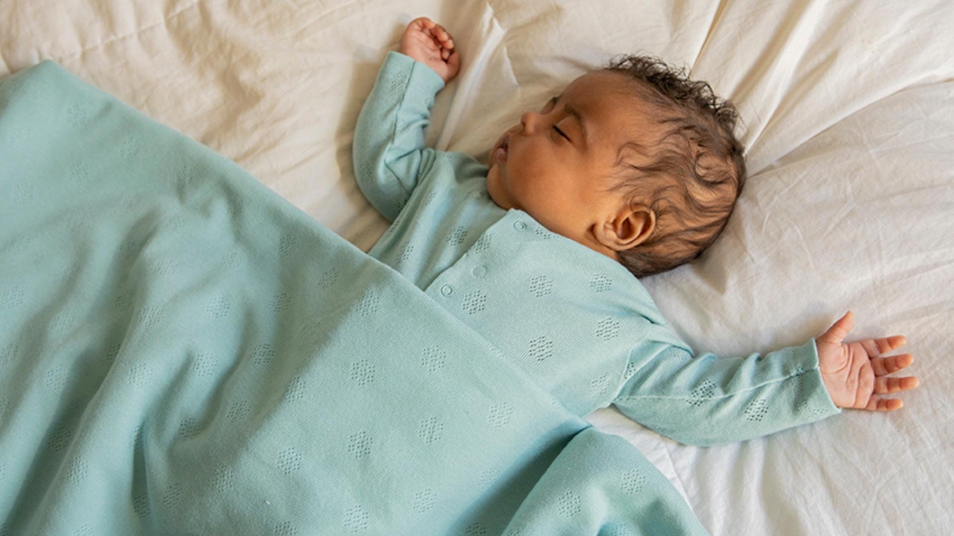¿Cómo arrullar a un bebe recién nacido?